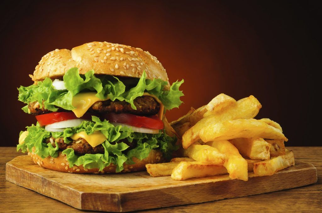 fast food in america essay Fast food has become a major phenomenon here in america according to eric schlosser, he writes in the new york times, on average $301,369,863 is spent a day on fast food.